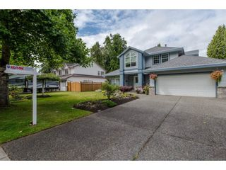 Photo 2: 21093 43 Avenue in Langley: Brookswood Langley House for sale : MLS®# R2088477
