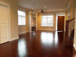 Photo 3: 4866 MOSS Street in Vancouver: Collingwood VE House for sale (Vancouver East)  : MLS®# R2227855