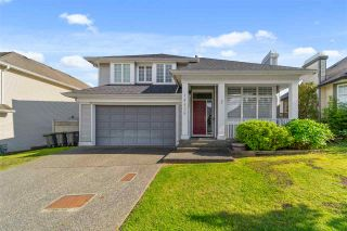 """Photo 3: 14636 76 Avenue in Surrey: East Newton House for sale in """"Chimney Hill"""" : MLS®# R2485483"""