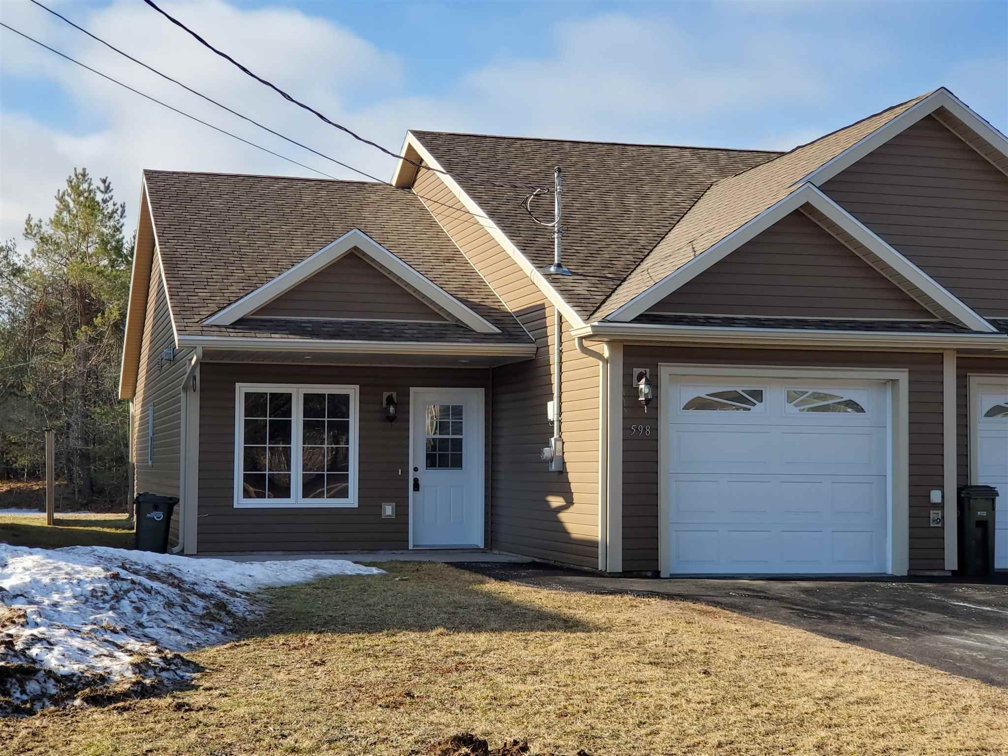 Main Photo: 598 Sampson Drive in Greenwood: 404-Kings County Residential for sale (Annapolis Valley)  : MLS®# 202105732