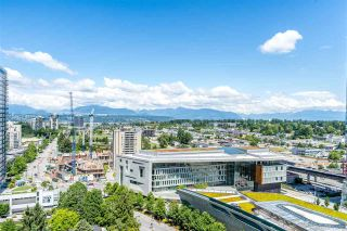 """Photo 1: 2106 13438 CENTRAL Avenue in Surrey: Whalley Condo for sale in """"PRIME ON THE PLAZA"""" (North Surrey)  : MLS®# R2623474"""