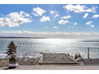 """Photo 9: 1324 HIGH Street: White Rock House for sale in """"West Beach"""" (South Surrey White Rock)  : MLS®# R2540194"""