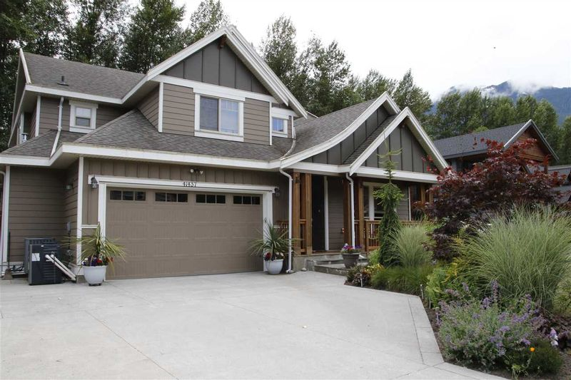 FEATURED LISTING: 41437 DRYDEN Road Squamish