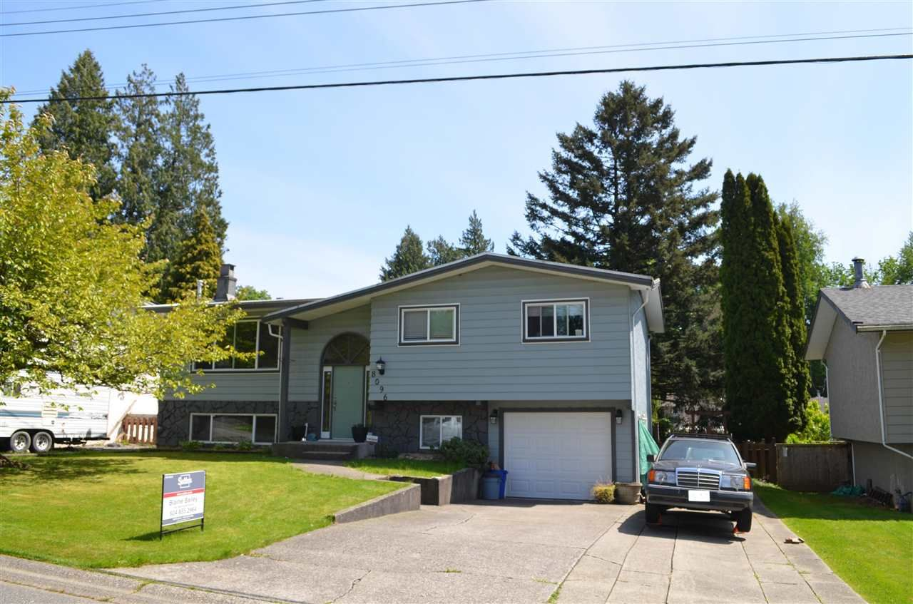 Main Photo: 8096 SUMAC Place in Mission: Mission BC House for sale : MLS®# R2577839