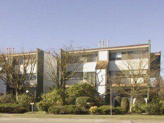 Main Photo: 7343 CAPISTRANO Drive in Burnaby: Montecito Home for sale ()  : MLS®# V575589