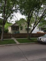 Property Photo: 510 12 AV NE in Calgary