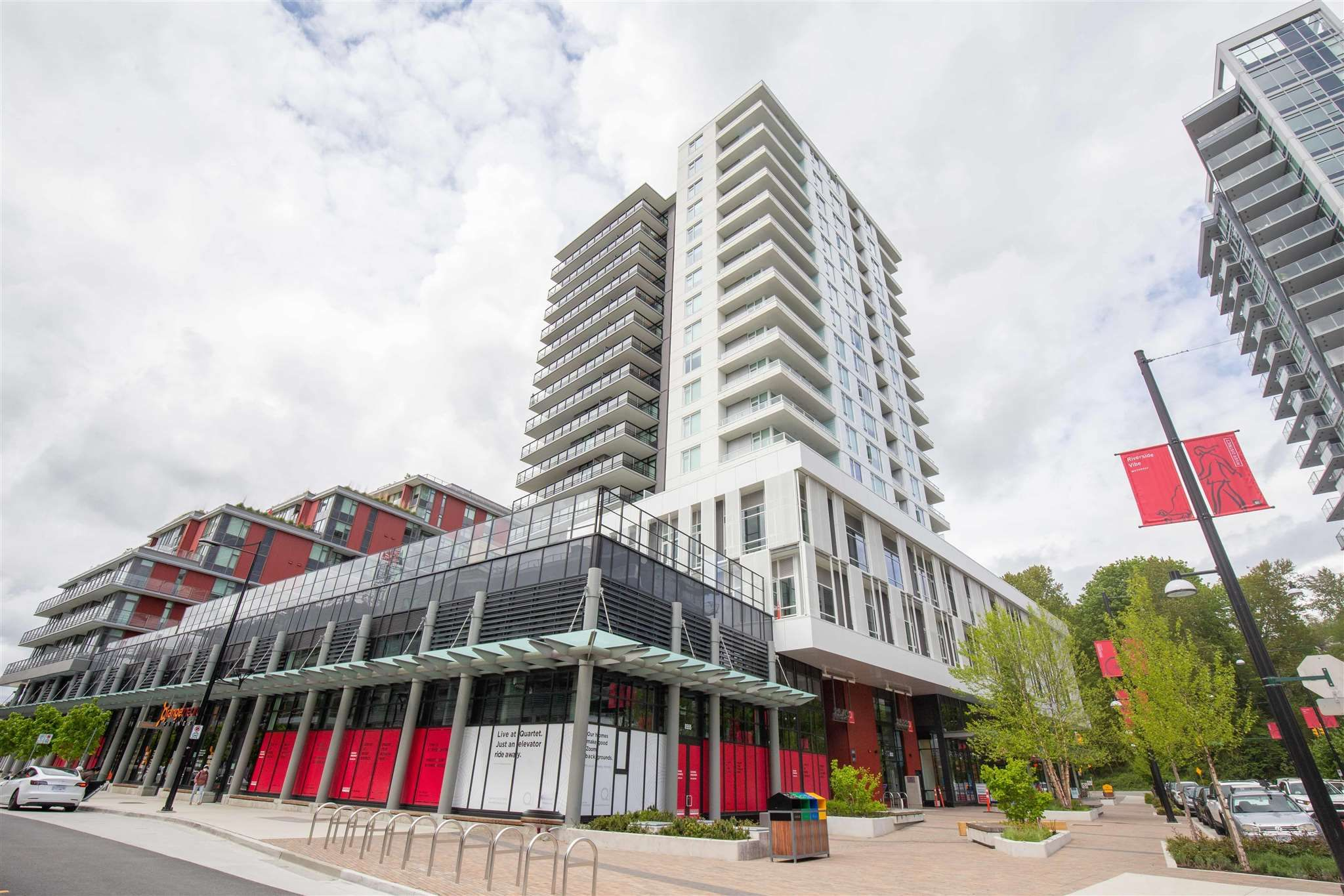 """Main Photo: 1302 8533 RIVER DISTRICT Crossing in Vancouver: South Marine Condo for sale in """"QUARTET"""" (Vancouver East)  : MLS®# R2599848"""
