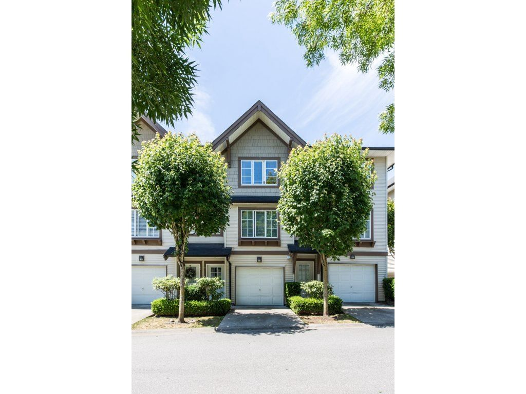 "Main Photo: 47 20560 66 Avenue in Langley: Willoughby Heights Townhouse for sale in ""AMBERLEIGH 2"" : MLS®# R2183785"