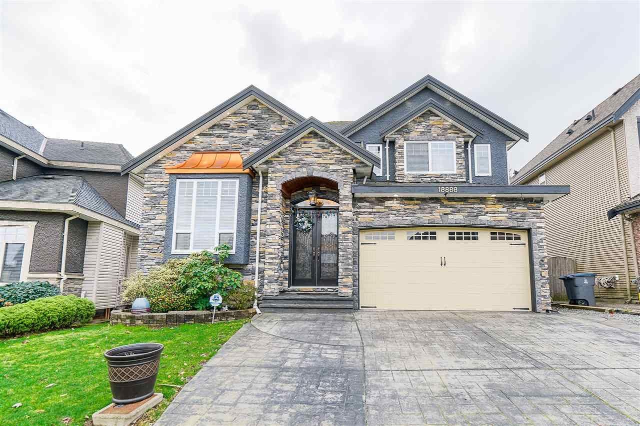 "Main Photo: 18888 53A Avenue in Surrey: Cloverdale BC House for sale in ""Cloverdale ""Hilltop"""" (Cloverdale)  : MLS®# R2535179"