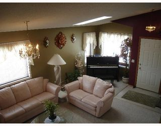 Photo 3:  in CALGARY: Applewood Residential Detached Single Family for sale (Calgary)  : MLS®# C3254303