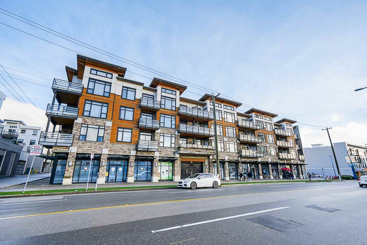 """Main Photo: 414 6888 ROYAL OAK Avenue in Burnaby: Metrotown Condo for sale in """"Kabana"""" (Burnaby South)  : MLS®# R2524575"""