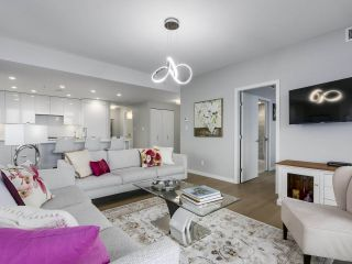 """Photo 3: 910 2888 CAMBIE Street in Vancouver: Fairview VW Condo for sale in """"The Spot"""" (Vancouver West)  : MLS®# R2343734"""