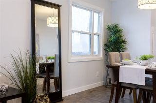 Photo 5: 2411 80 Street in Edmonton: Zone 29 House for sale : MLS®# E4229031