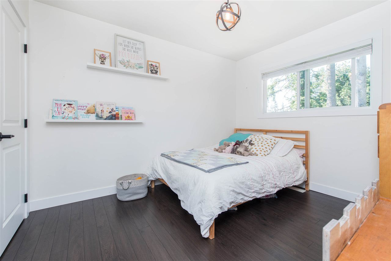 Photo 19: Photos: 34539 KENT Avenue in Abbotsford: Abbotsford East House for sale : MLS®# R2569540