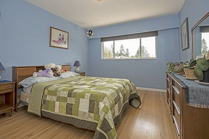 Photo 8: Photos: 1327 BRISBANE Avenue in Coquitlam: Harbour Chines House for sale : MLS®# R2061600