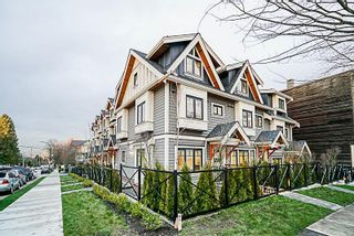 Photo 1: 903 E BROADWAY Street in Vancouver: Mount Pleasant VE Townhouse for sale (Vancouver East)  : MLS®# R2261056
