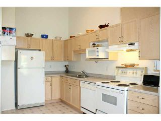 """Photo 4: 3422 AMBERLY Place in Vancouver: Champlain Heights Townhouse for sale in """"TIFFANY RIDGE"""" (Vancouver East)  : MLS®# V902701"""