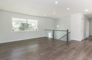 Photo 2: 10207 7 Street SW in Calgary: Southwood Detached for sale : MLS®# C4203989