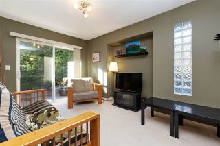 """Photo 5: 1 19270 122A Avenue in Pitt Meadows: Central Meadows Townhouse for sale in """"HERON COURT"""" : MLS®# R2433591"""
