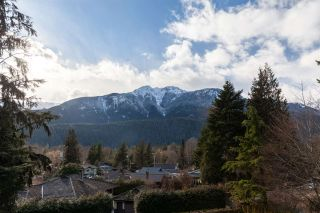 "Photo 32: 41833 GOVERNMENT Road in Squamish: Brackendale House for sale in ""BRACKENDALE"" : MLS®# R2545412"
