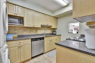 """Photo 6: 10524 HOLLY PARK Lane in Surrey: Guildford Townhouse for sale in """"Holly Park Lane"""" (North Surrey)  : MLS®# R2615553"""