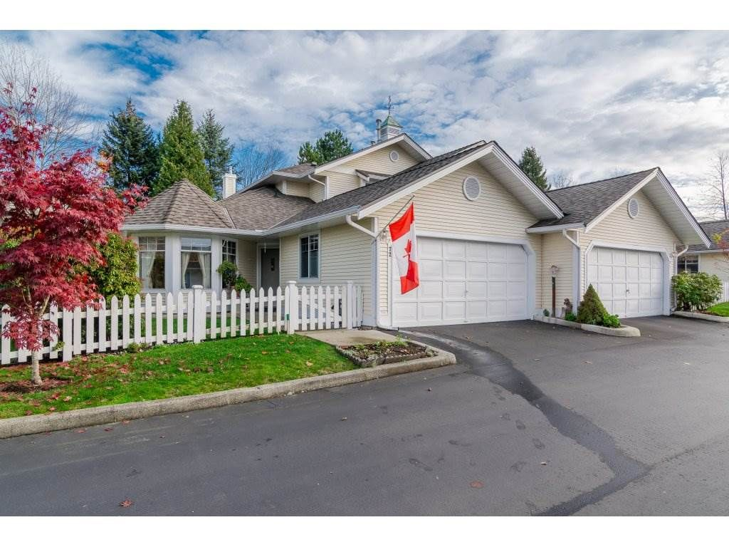 """Main Photo: 72 21138 88 Avenue in Langley: Walnut Grove Townhouse for sale in """"Spencer Green"""" : MLS®# R2122624"""