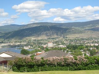 Photo 2: 1407 SPARTON DRIVE in PENTCITON: Residential Detached for sale (PENTICTON)  : MLS®# 141752