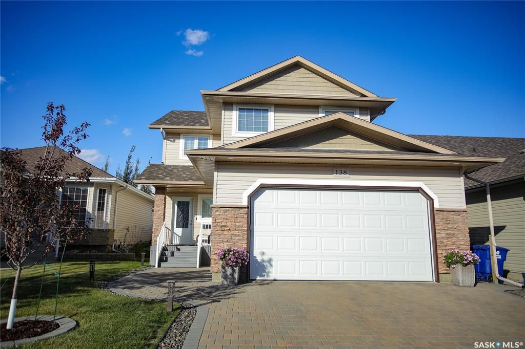 Main Photo: 138 Martin Crescent in Saskatoon: Stonebridge Residential for sale : MLS®# SK871509