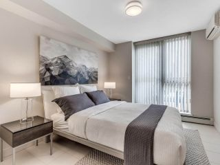 """Photo 21: 801 1383 MARINASIDE Crescent in Vancouver: Yaletown Condo for sale in """"COLUMBUS"""" (Vancouver West)  : MLS®# R2504775"""