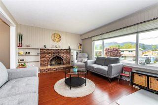 Photo 7: 46038 LARTER Avenue in Chilliwack: Fairfield Island House for sale : MLS®# R2574171
