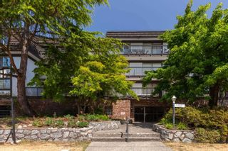 """Main Photo: 208 270 WEST 3RD Street in North Vancouver: Lower Lonsdale Condo for sale in """"Hampton Court"""" : MLS®# R2603839"""
