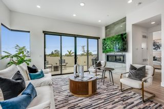 Photo 11: PACIFIC BEACH House for sale : 4 bedrooms : 4056 Haines St in San Diego