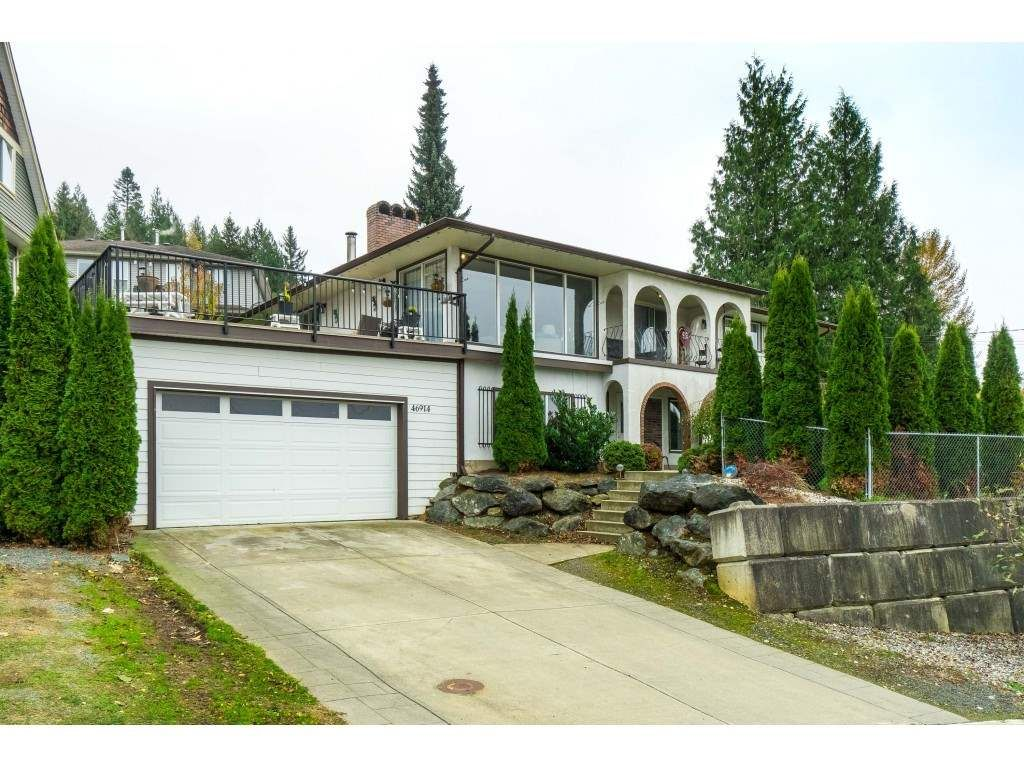 Main Photo: 46914 RUSSELL Road in Chilliwack: Promontory House for sale (Sardis)  : MLS®# R2515772