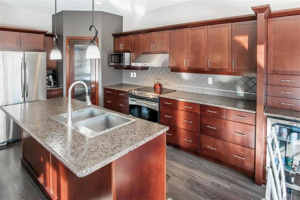 Photo 9: Photos: 35 Ravine Drive in Winnipeg: River Pointe Residential for sale (2C)  : MLS®# 202101783