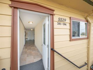 Photo 18: 5517 WHARF Avenue in Sechelt: Sechelt District Multi-Family Commercial for sale (Sunshine Coast)  : MLS®# C8036407