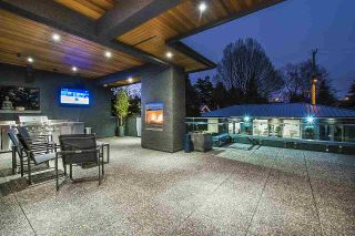 """Photo 2: 7038 CHURCHILL Street in Vancouver: South Granville House for sale in """"Churchill Mansion"""" (Vancouver West)  : MLS®# R2555269"""