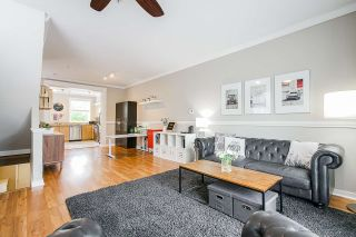 """Photo 3: 17 11060 BARNSTON VIEW Road in Pitt Meadows: South Meadows Townhouse for sale in """"COHO"""" : MLS®# R2398399"""