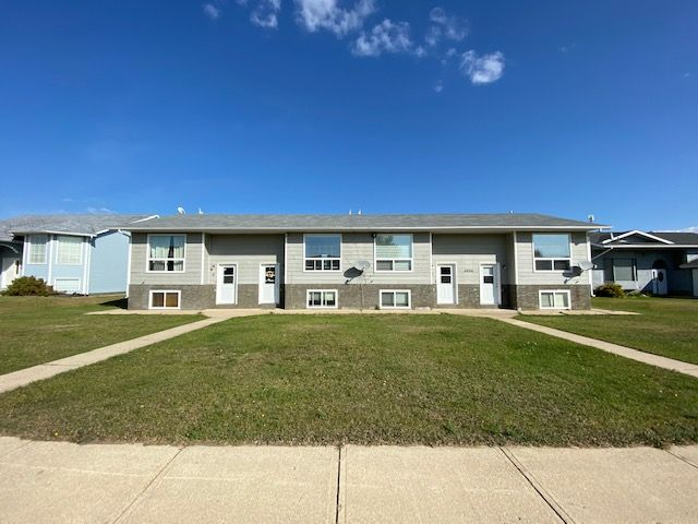 Main Photo: 4804 3 Avenue in Chauvin: Chavin Multifamily for sale (MD of Wainwright)  : MLS®# A1037058