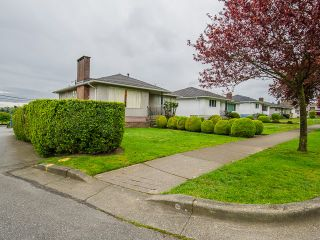 Photo 4: 1384 E 63RD Avenue in Vancouver: South Vancouver House for sale (Vancouver East)  : MLS®# R2057224