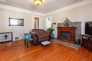Photo 5: 2059 Newton St in VICTORIA: OB Henderson House for sale (Oak Bay)  : MLS®# 795691