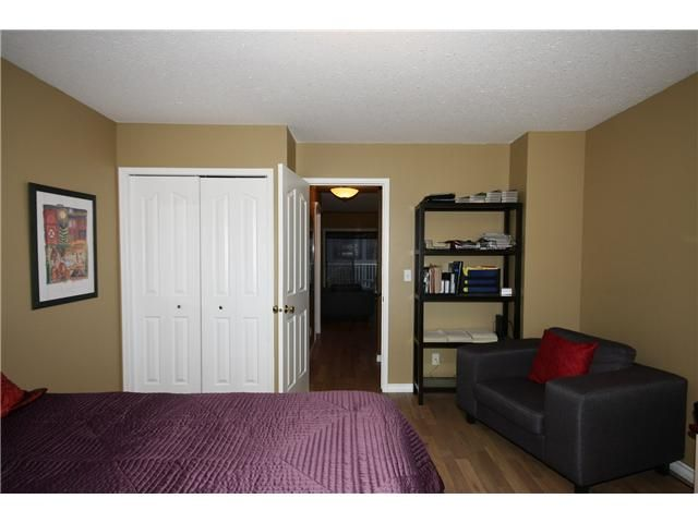 Photo 11: Photos: 1425 1 Street NE in CALGARY: Crescent Heights Townhouse for sale (Calgary)  : MLS®# C3550740