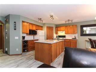 Photo 11: 9177 21 Street SE in Calgary: Riverbend House for sale : MLS®# C4096367
