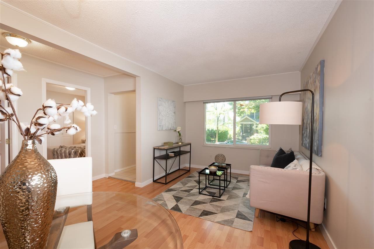 Main Photo: 4322 WELWYN STREET in : Victoria VE House for sale : MLS®# R2492561
