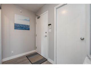 "Photo 3: 607 1077 MARINASIDE Crescent in Vancouver: Yaletown Condo for sale in ""Marinaside Resort"" (Vancouver West)  : MLS®# R2573754"