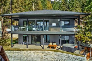 Photo 2: 5846 Sunnybrae-Canoe Point Road, in Tappen: House for sale : MLS®# 10240711