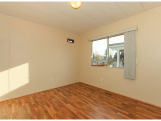 """Photo 12: 26 10221 WILSON Road in Mission: Stave Falls Manufactured Home for sale in """"TRIPLE CREEK ESTATES"""" : MLS®# F1428351"""