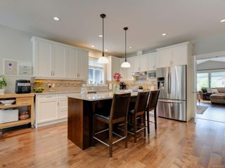 Photo 7: 1404 Grand Forest Close in : La Bear Mountain House for sale (Langford)  : MLS®# 877300