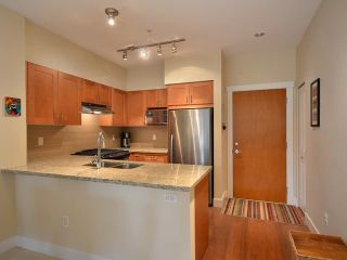 """Photo 5: 316 1111 E 27TH Street in North Vancouver: Lynn Valley Condo for sale in """"BRANCHES"""" : MLS®# V937033"""