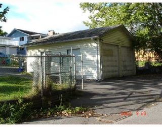 """Photo 3: 8270 ELLIOTT Street in Vancouver: Fraserview VE House for sale in """"FRASERVIEW"""" (Vancouver East)  : MLS®# V669977"""