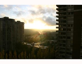 "Photo 8: 1802 3755 BARTLETT Court in Burnaby: Sullivan Heights Condo for sale in ""TIMBERLEA"" (Burnaby North)  : MLS®# V744304"